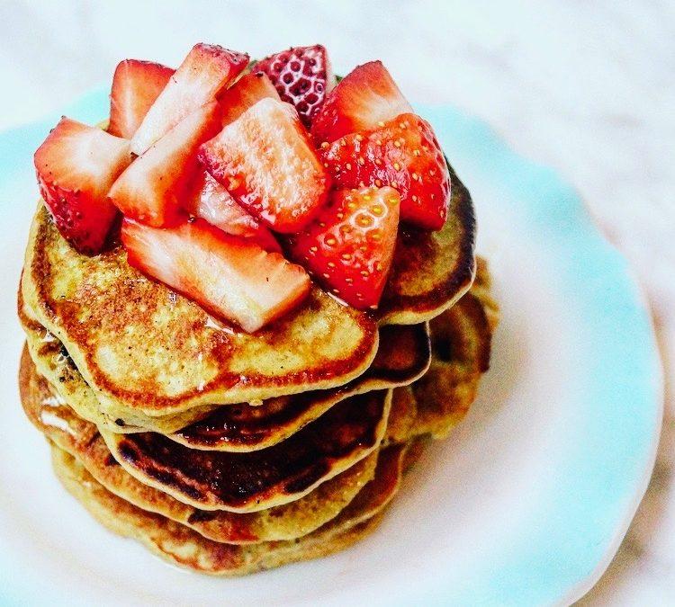 Banana & Oat Flour Pancakes